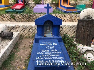 Imagen de una tumba de cerca